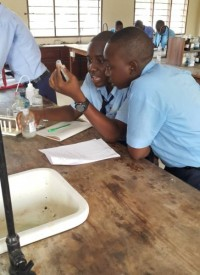 eaglessecondaryschool_students_in_chemistry-laboratory2